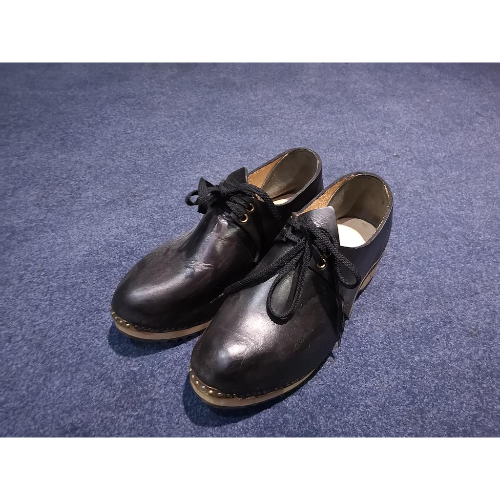 Clogs - Black - Size 10